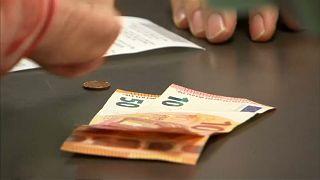 GfK: Otto Normalverbraucher hält seine Euros fest