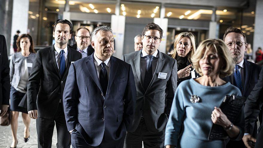 Orbán Viktor érkezése az Európai Néppárt tanácskozására március 20-án