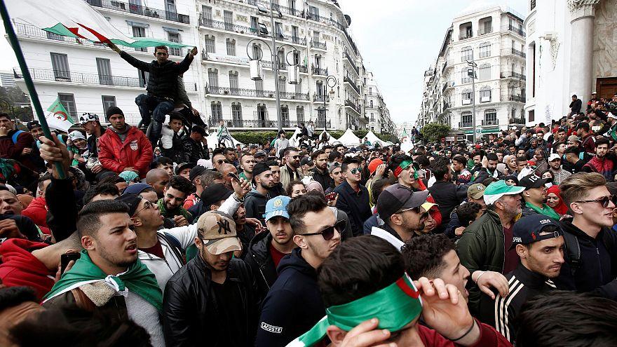 """قناة تلفزيونية: الشرطة والجيش الجزائريان يفككان """"خلية متشددة"""""""