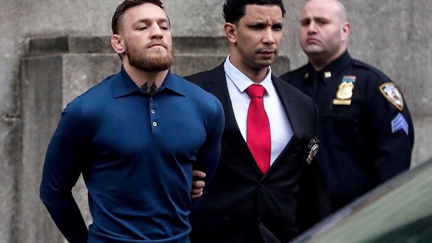 Emekliye ayrlan ünlü dövüşçü McGregor'a cinsel saldırı suçlaması