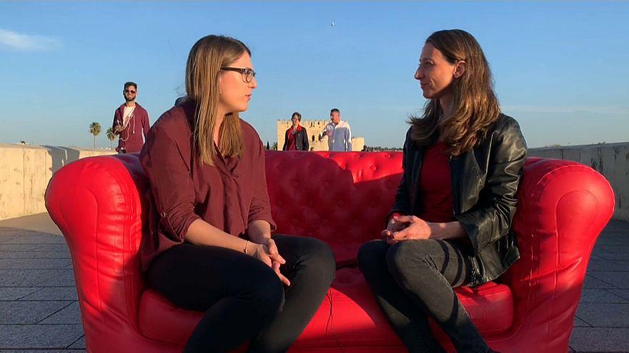 Silvia Arenas habla con Cristina Giner en Córdoba