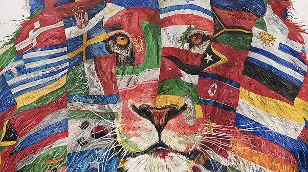 """Milano, """"Celebrating Diversity"""": le bandiere della """"diversità"""" di Carla Chiusano"""