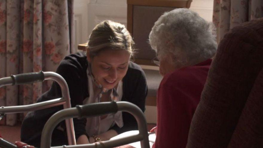 Portuguese nurse wins top UK care work award