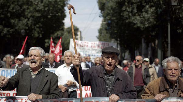 Πορεία συνταξιούχων - Ραντεβού με τον πρωθυπουργό το Σάββατο