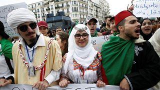 Cezayir: Muhalefet ve en büyük sendikadan Buteflika'ya karşı orduya destek