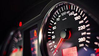 EU-Initiative: Ab 2022 soll in allen Neuwagen ein automatisches Tempolimit eingebaut werden