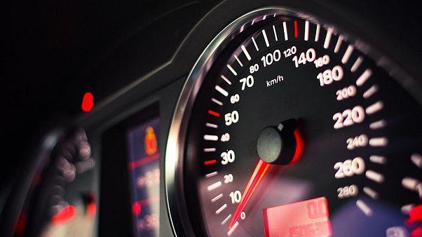 Nueva iniciativa para que todos los coches nuevos vendidos en la UE tengan limitadores de velocidad
