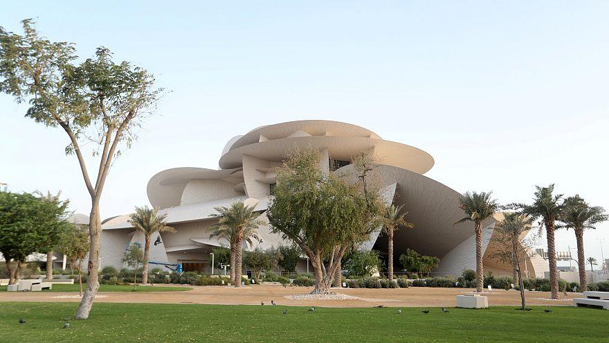 Katar'da yarım milyar dolar değerindeki 'çöl gülü' açılıyor