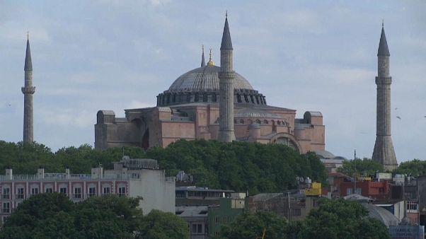 """Turchia, la """"conversione"""" di Hagia Sofia: da museo a moschea"""