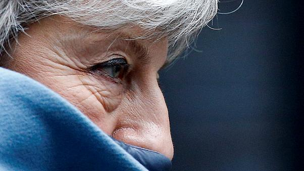 May: sacríficio ou desespero?