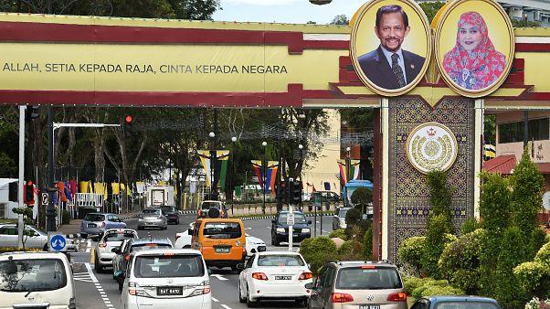 برونئی همجنسگرایان را سنگسار میکند