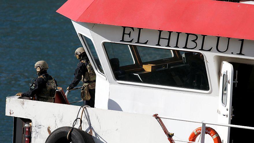 مالطا تسيّطر على سفينة خطفها مهاجرون وبروكسل تعلّق عمليات الإنقاذ في المتوسط