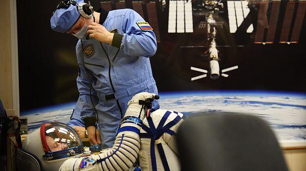 آزمایش جدید ناسا؛ ۲ ماه درازکش بمانید ۱۴ هزار پوند بگیرید