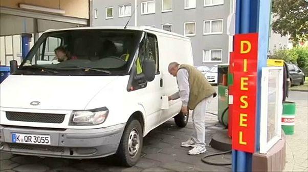 Eurodeputados contra circulação de carros muito poluentes