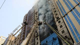 Bangladesh, palazzo in fiamme: almeno 5 morti