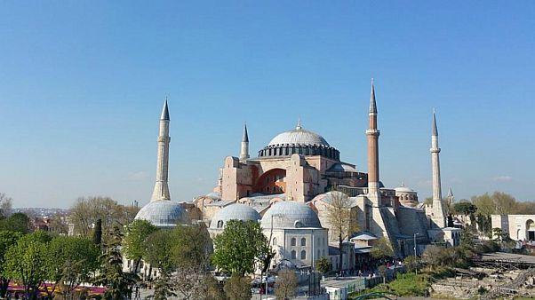 """أردوغان يعتزم تحويل """"آيا صوفيا"""" من متحف إلى مسجد"""