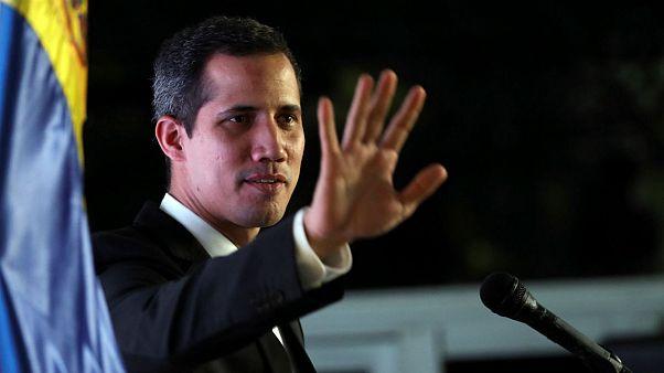 دولت مادورو حضور خوان گوایدو را در مقامهای دولتی برای ۱۵سال ممنوع اعلام کرد