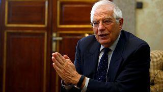 Katalonya ile ilgili sorulara sinirlenen İspanya Dışişleri Bakanı röportajı terk etti