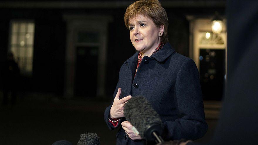 Sturgeon: May megpróbált a saját kardjába dőlni, és sikerült elvétenie