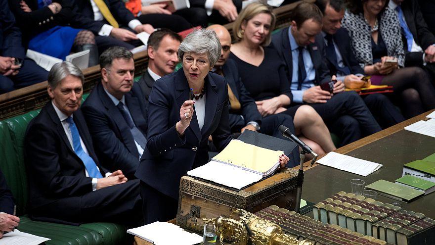 Nova rejeição do acordo de May adia Brexit para 12 de abril