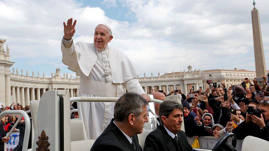 Ferenc pápa új rendeleteket adott ki a gyermekmolesztálás elleni küzdelem jegyében