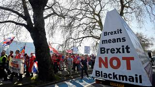 Brexit supporters demand a quick way out of the EU in pro-Brexit march