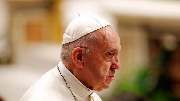 Papa reforça leis contra abuso de menores