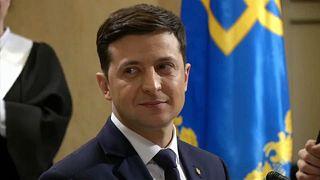 Az utolsó felmérés szerint is Zelenszkij az ukrán elnökválasztás fő esélyese