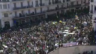 Centenares de miles de personas vuelven a manifestarse en Argelia