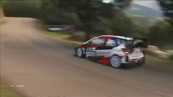 Rallye de Corse : Evans bloqué par une voiture, mais premier