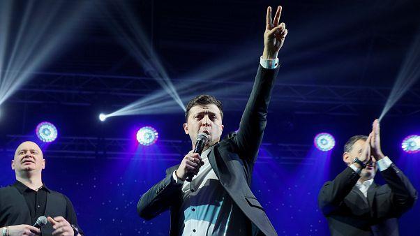 Ukraynalılar sandık başında: Anketlere göre Komedyen Zelenskiy en güçlü aday
