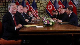 """""""Trump, Kim jong-un'dan nükleer silahları ABD'ye devretmesini istedi; görüşmeler kesildi"""""""