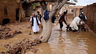 سیل در ولایتهای هرات، بلخ، بادغیس و فاریاب افغانستان قربانی میگیرد