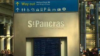 Mann auf den Gleisen: Eurostar stand still