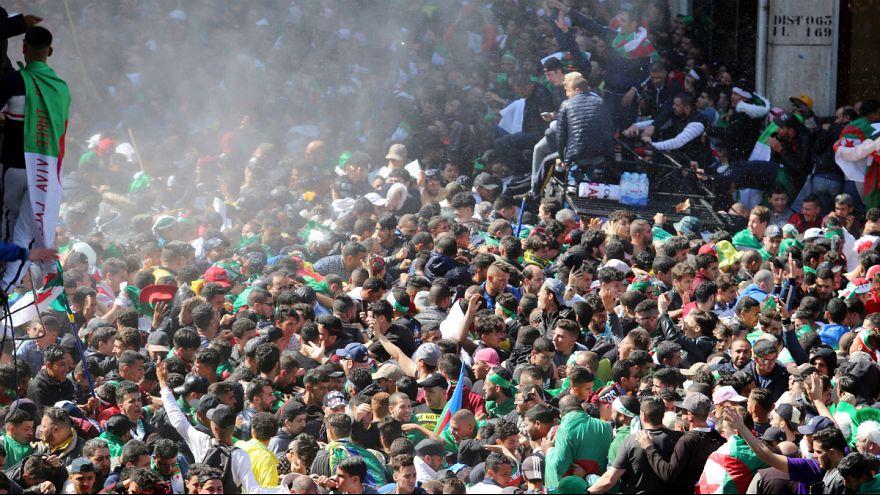 صدها هزار تن از مخالفان بوتفلیقه در پایتخت الجزایر تظاهرات کردند