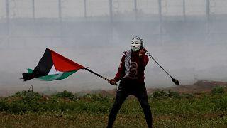 """4 قتلى ومئات المصابين في مسيرات """"يوم الأرض"""" بغزة"""