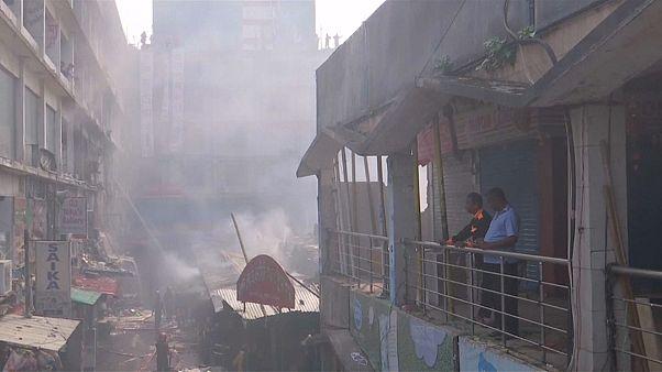 Nouvel incendie en plein coeur de Dhaka au Bangladesh