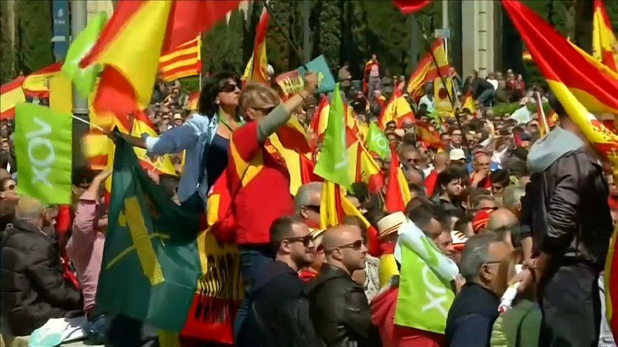 Barcelona: Für und gegen Vox