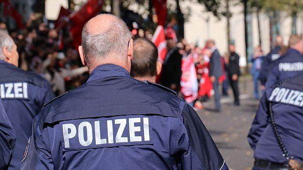 الشرطة الألمانية تلقي القبض على 10 أشخاص لتخطيطهم شن هجمات كبيرة بالأسلحة والمتفجرات