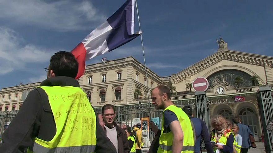 السترات الصفراء يحتشدون في الأسبوع العشرين من الاحتجاجات وهدوء نسبي في باريس