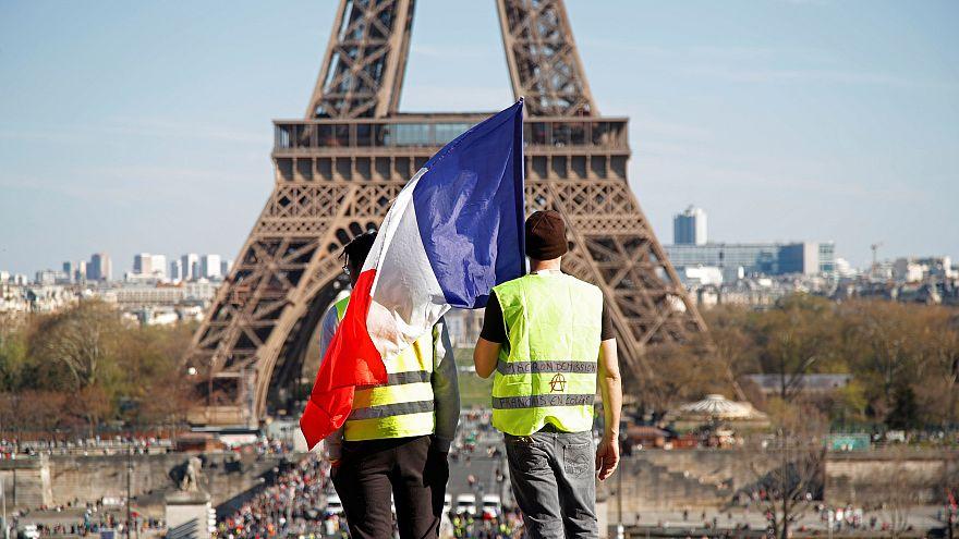 Fransa'da Sarı Yelekliler 20'nci kez sokağa indi