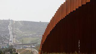 Trump El Salvador, Honduras ve Guatemala'ya yapılan yardımları durdurma kararı aldı