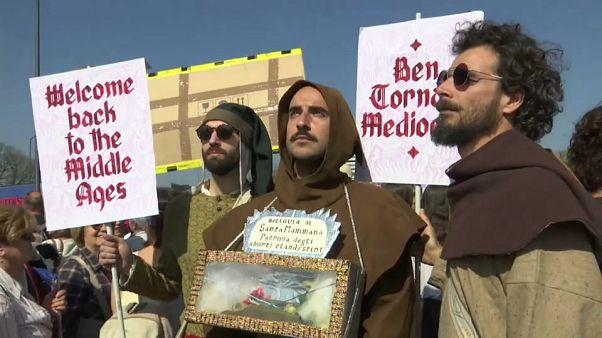 Protesta contra un congreso de la familia tradicional en Verona