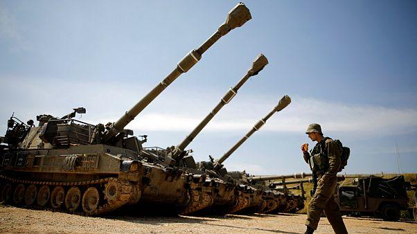اسرائیل در پاسخ به حملات حماس نوار غزه را با گلوله های تانک هدف قرار داد