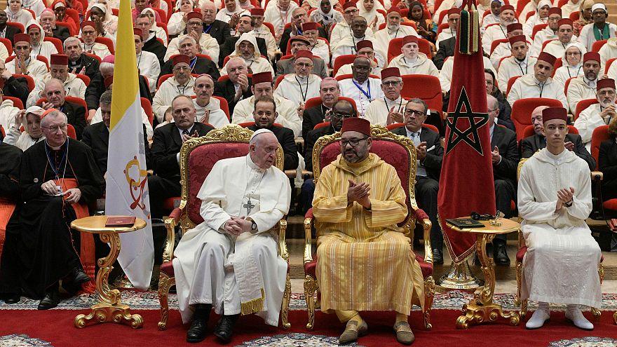 البابا يلتقي بالجالية الكاثوليكية في المغرب