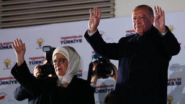 Cumhurbaşkanı Recep Tayyip Erdoğan, eşi Emine Erdoğan