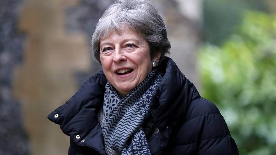 May under pressure as UK parliament faces more Brexit options