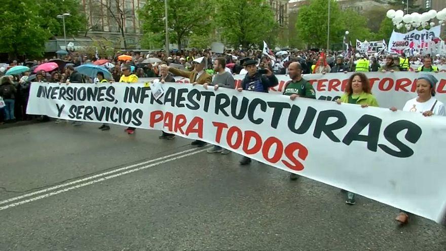 Az elnéptelenedés ellen tüntettek Madridban