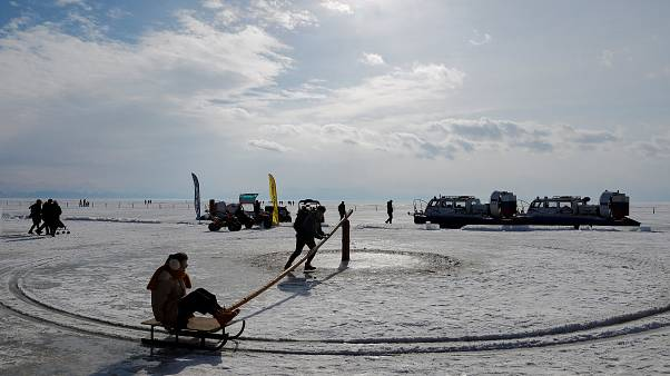На Байкале прошло состязание рыбаков