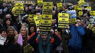 مخالفان ایرلندی برکسیت: هیچ مرز و حصاری نمیپذیریم